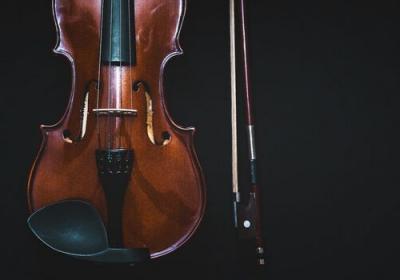 Alles über Trauermusik: Trauerlieder, -melodien und -musikstücke