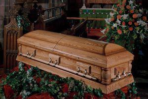 Pohřeb-v-kostele-2